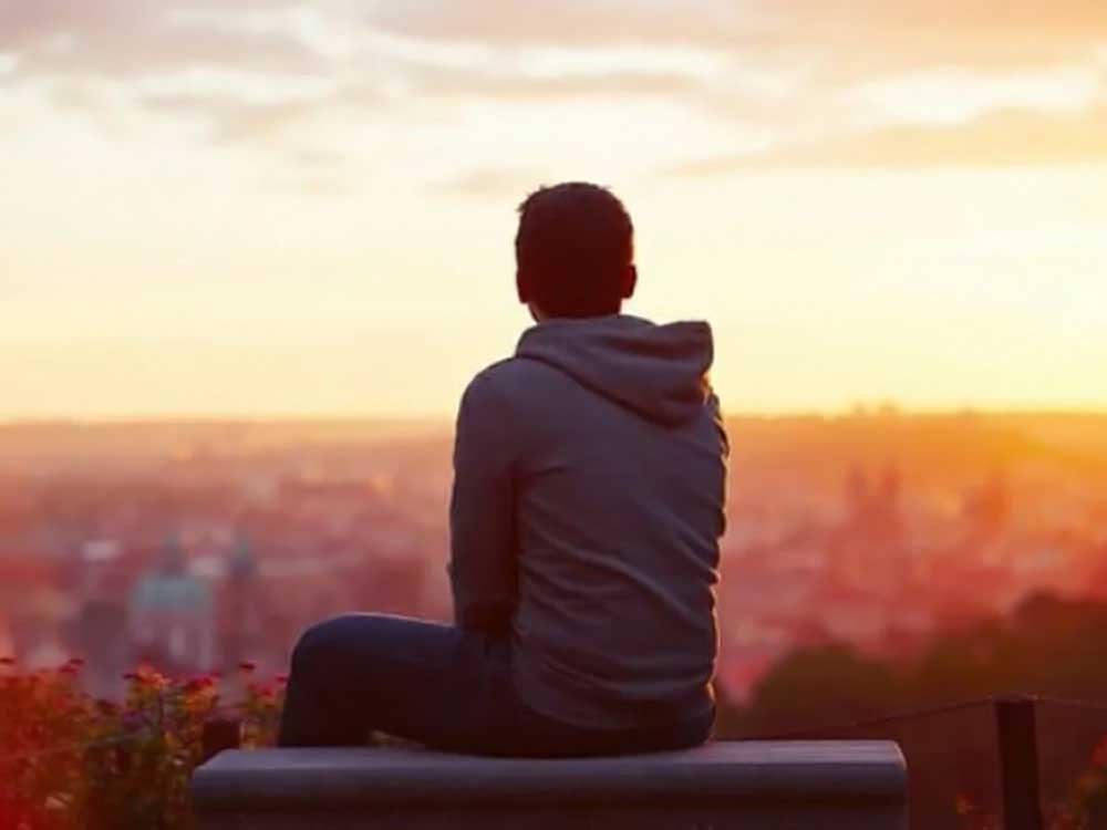 Comment gérer la solitude ?  – Eckhart Tolle –