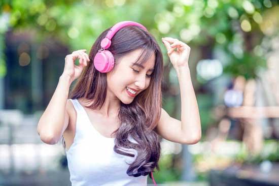 Écouter de la musique plaisante peut élever votre niveau d'énergie