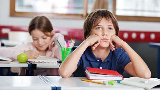 On s'ennuyait souvent à l'école, d'où l'intérêt de changer notre état d'esprit et de retrouver le goût de l'apprentissage une fois adulte !