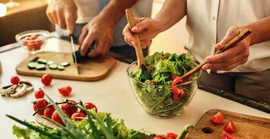 Une alimentation équilibrée est indispensable pour améliorer nos facultés mentales.