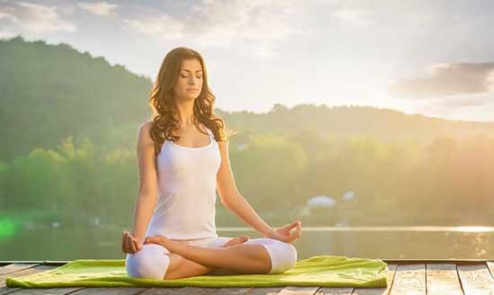 La méditation permet d'observer nos pensées et de se désidentifier de notre mental.