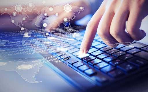 Nous avons aujourd'hui accès à toute l'information sur Internet du bout des doigts.
