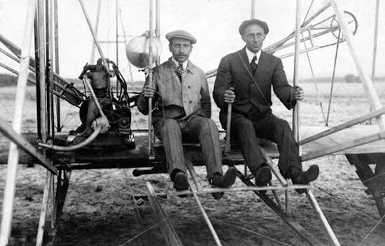 Observez à quel point la réussite a été puissante chez Orville et Wilbur Wright qui, après plusieurs échecs, ont changé le monde en donnant naissance à l'aviation !