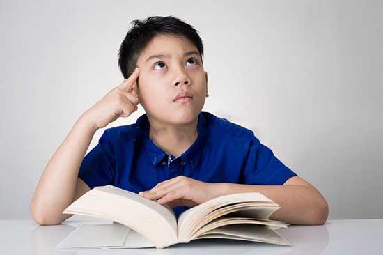Jim Kwik évoque un ensemble de questions à se poser, pour que votre vitesse d'apprentissage puisse être accrue