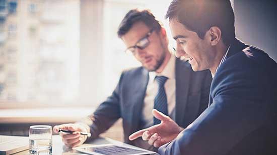 Pour que votre business se développe, il est aussi essentiel de bien vous entourer. De partenaires, certes, mais aussi d'employés de confiance !