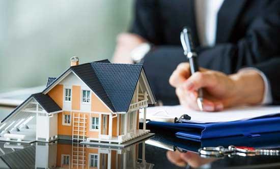 Robert Kiyosaki insiste également sur l'intérêt des biens immobiliers avec une mauvaise gestion.